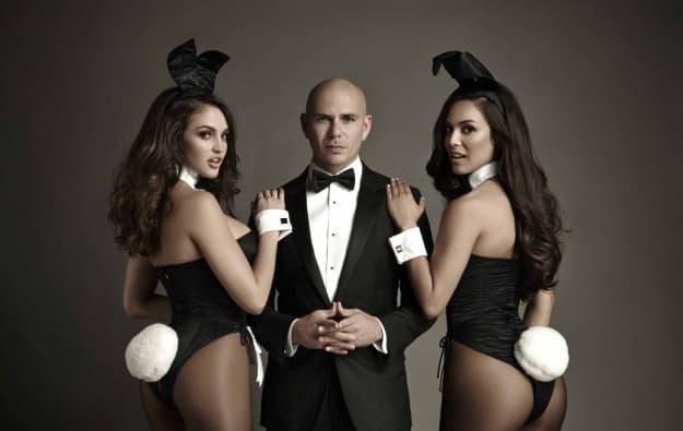 La star de la musique Pitbull sera présente dans la ligne Playboy de Bally.